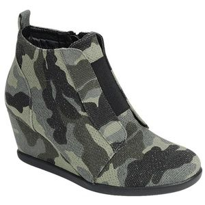 Shoes - Camo Wedge Bootie